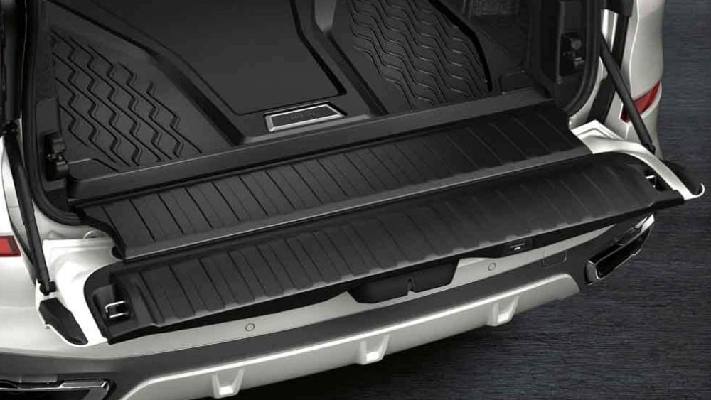 Keeping the Floor of Your Luxury Car in Top Shape Doesn't Have to be Difficult