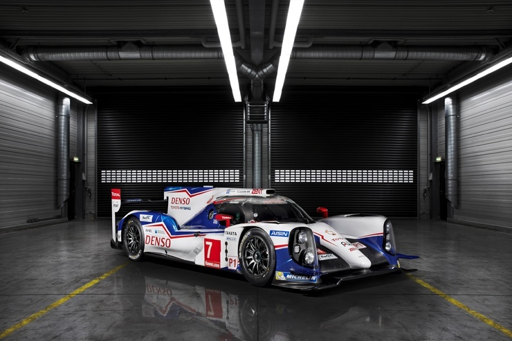 Toyota Racing Reveals TS040 Hybrid - 1000 HP