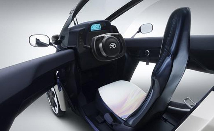 Toyota i-ROAD Concept Unveiled in Geneva - Interior