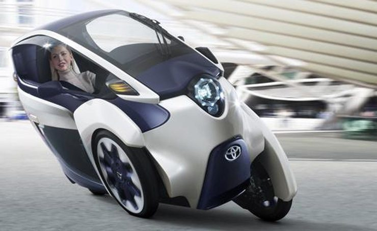 Toyota i-ROAD Concept Unveiled in Geneva - Turning