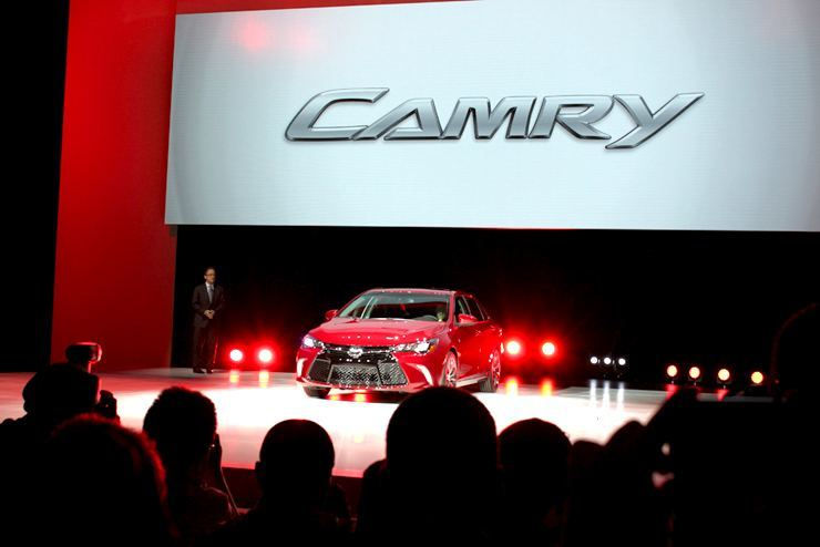 2015 Toyota Camry vs. 2015 Hyundai Sonata - NYIAS First Glance
