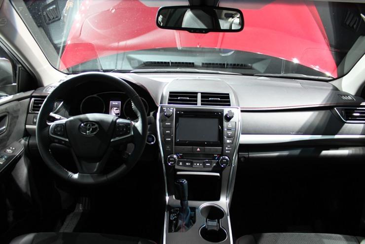 2015 Toyota Camry Vs. 2015 Hyundai Sonata   Camry Interior Amazing Pictures