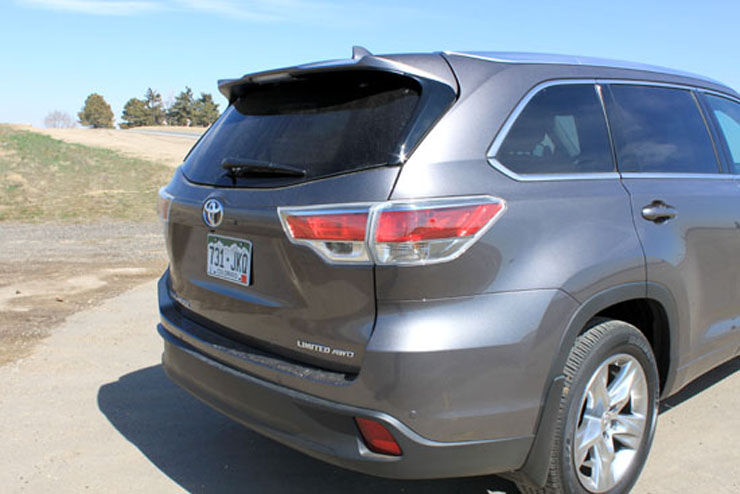 2014 Toyota Highlander Limited Review - Rear Profile