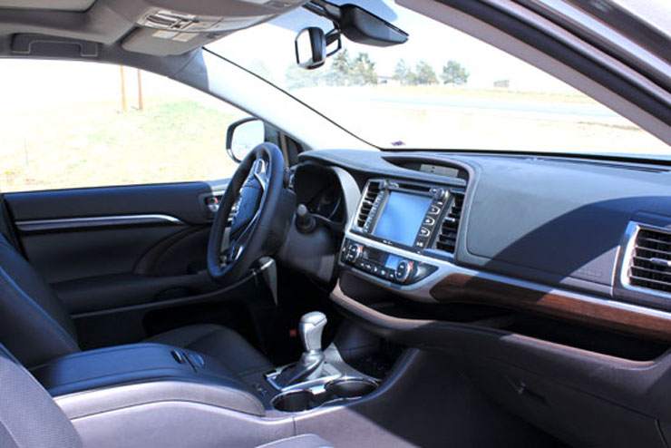 2014 Toyota Highlander Limited Review - Interior