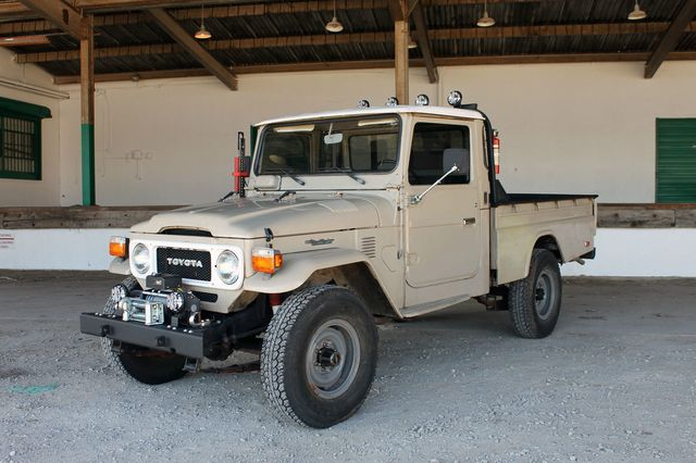 1980 Land Cruiser Side