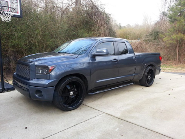Lowered Tundra Sic Toy1