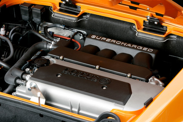 With an optional supercharger from Lotus, the spritely 1.8L Toyota engine could produce as much as 240hp.