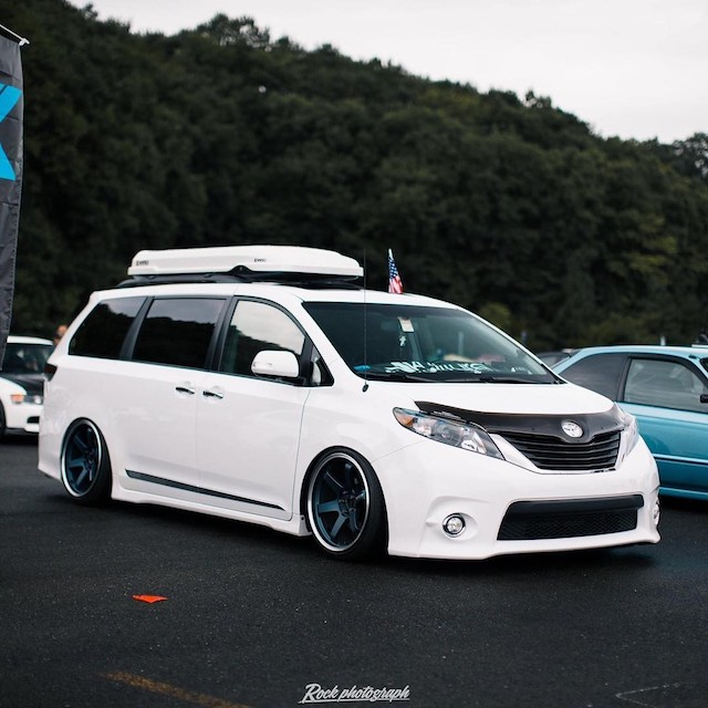 Stanced white sienna1