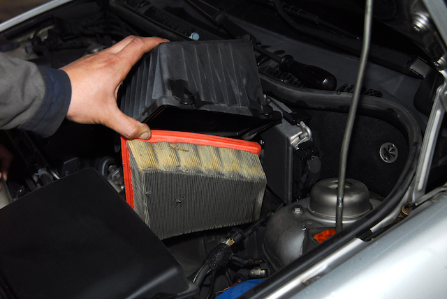 Replacing filter toyota