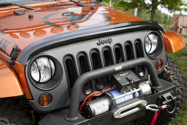 Wraparound Bug Deflector, Smoke; 07-16 Jeep Wrangler JK - Rugged Ridge