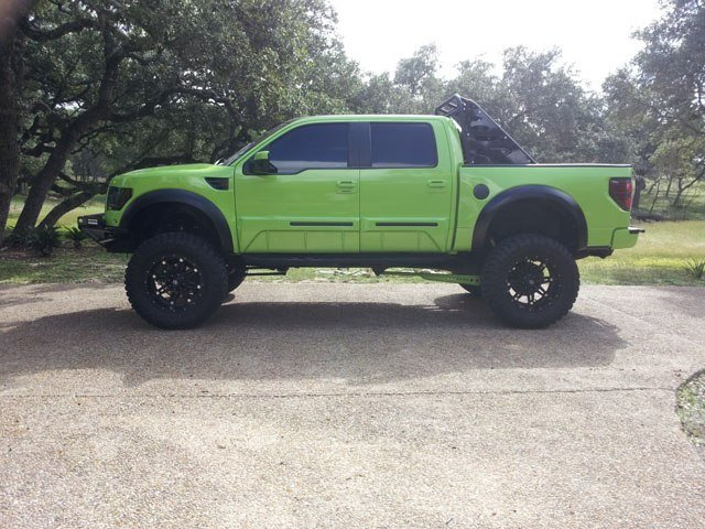Lambo Green Ford Raptor Mod - Side