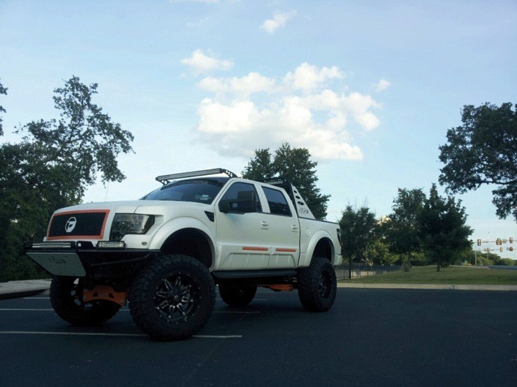 Ford F-150 Call of Duty Reptar - White