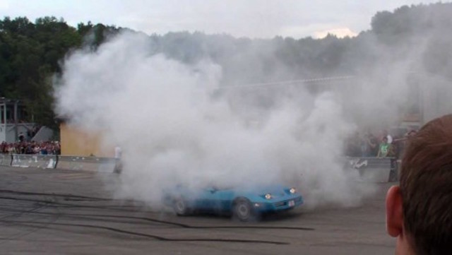 Corvette burnout 8
