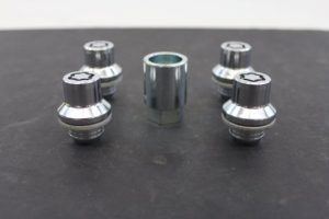 LOCKING WHEEL LUG NUTS