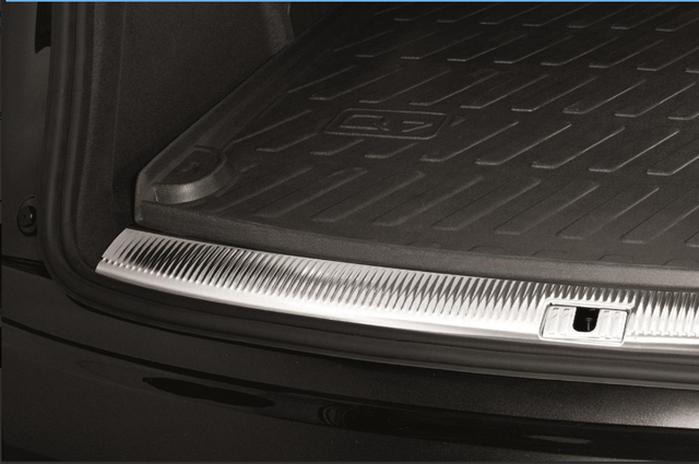 ALL-WEATHER CARGO MAT- THIRD ROW UPRIGHT