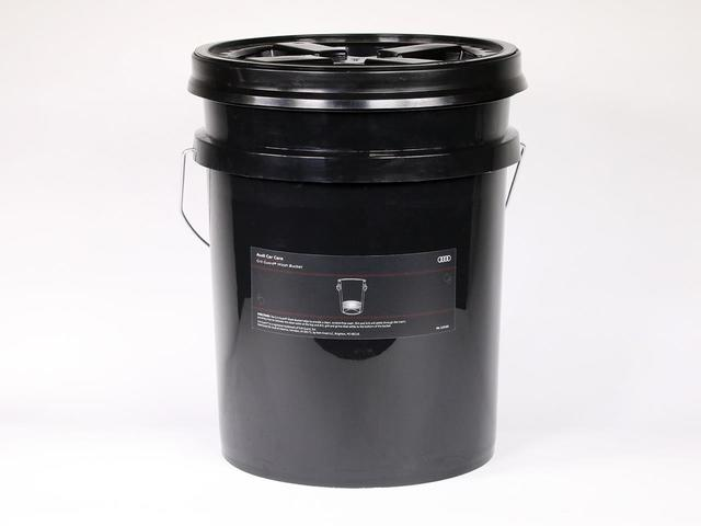 Audi Grit Guard Bucket and Lid