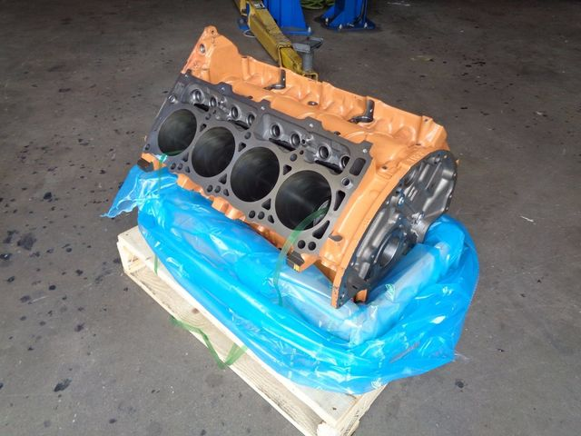 Block-Cast Iron 6.1L