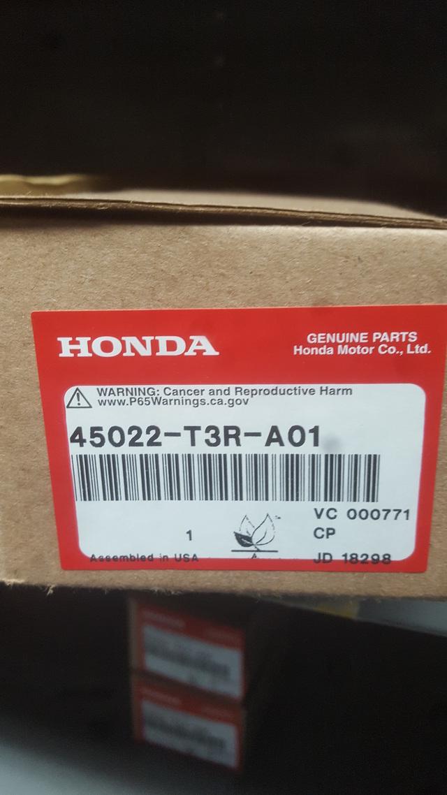 Genuine Honda Front Brake pad set