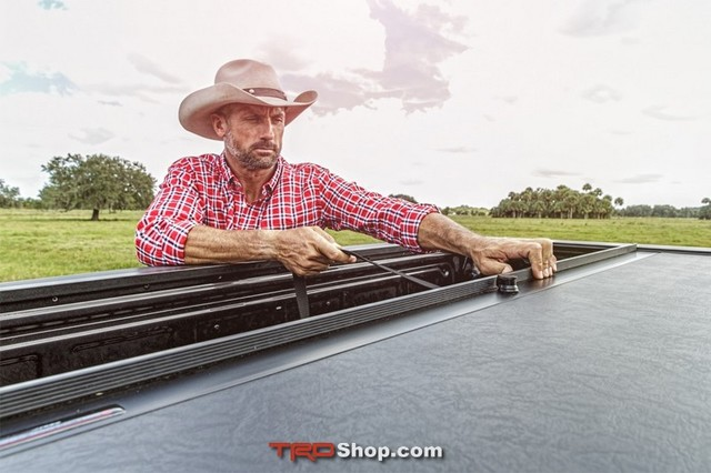 Tonneau Cover, Roll N Lock M-Series - Tacoma 5' Bed (2016+)