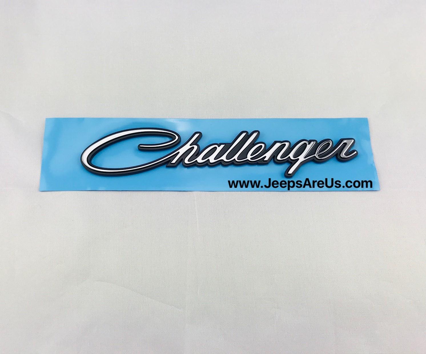 Dodge Challenger Emblem