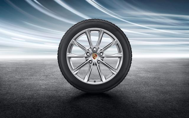 "19"" Boxster S 718 Winter Wheel/Tire Set (TPMS)"