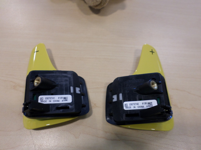 YELLOW AUTO TRANS PADDLE DOWNSHIFT & UPSHIFT (LEFT & RIGHT) SWITCH - GM (23272741 & 23272742)